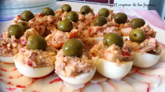 Huevos Rellenos de Surimi de Langosta