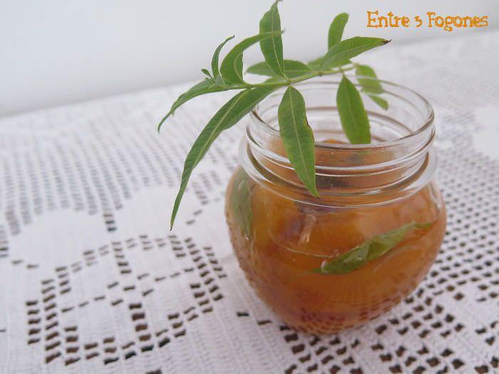 Melocotones en Almíbar al aroma de Verbena Citronela
