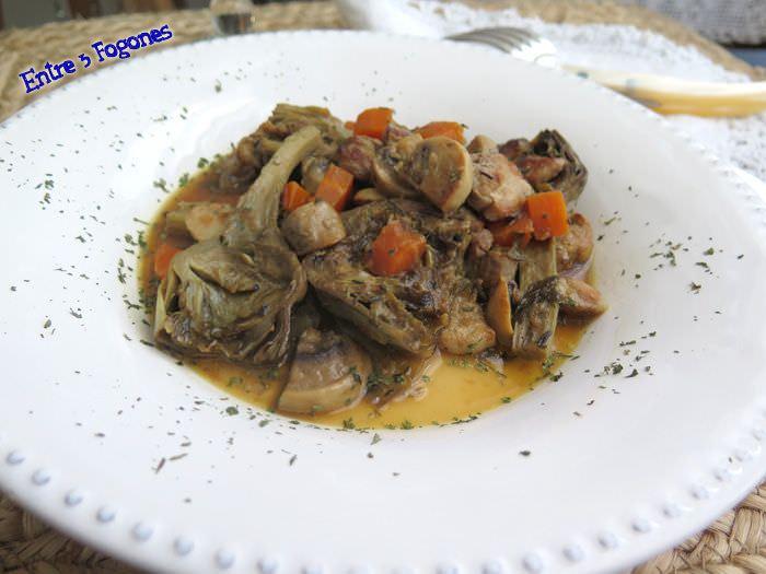 Alcachofas con Panceta en Salsa