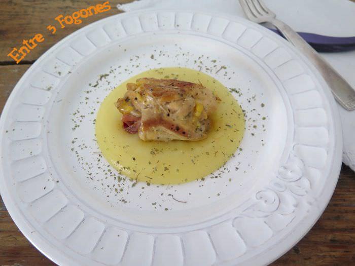 Jamoncitos de Pollo Rellenos de Jamón Serrano sobre Puré de Patata