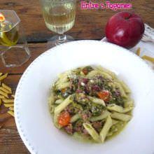 Macarrones con Lacon y Grelos en Salsa de Manzana