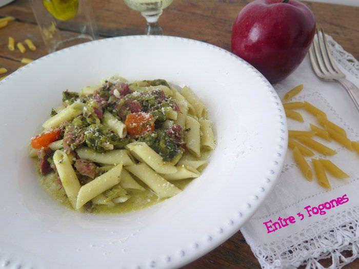 Receta Macarrones con Lacon y Grelos en Salsa de Manzana