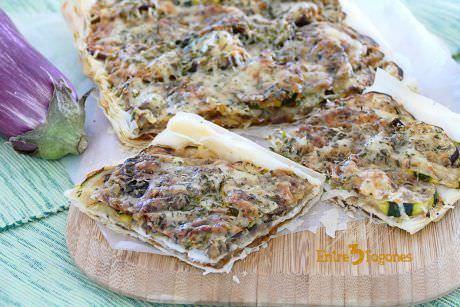 Empanada de Cebolla Caramelizada y Berenjena