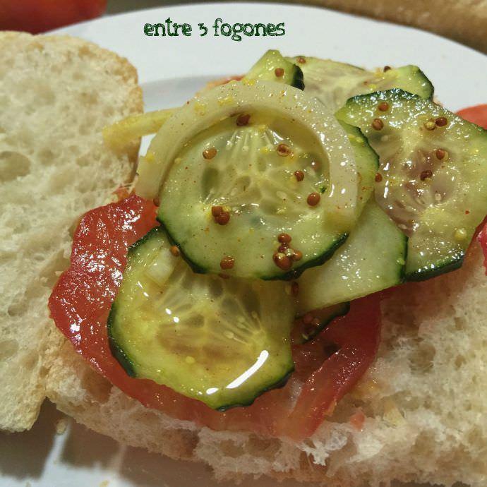 Pincho de Pepinos en Vinagre con Tomate
