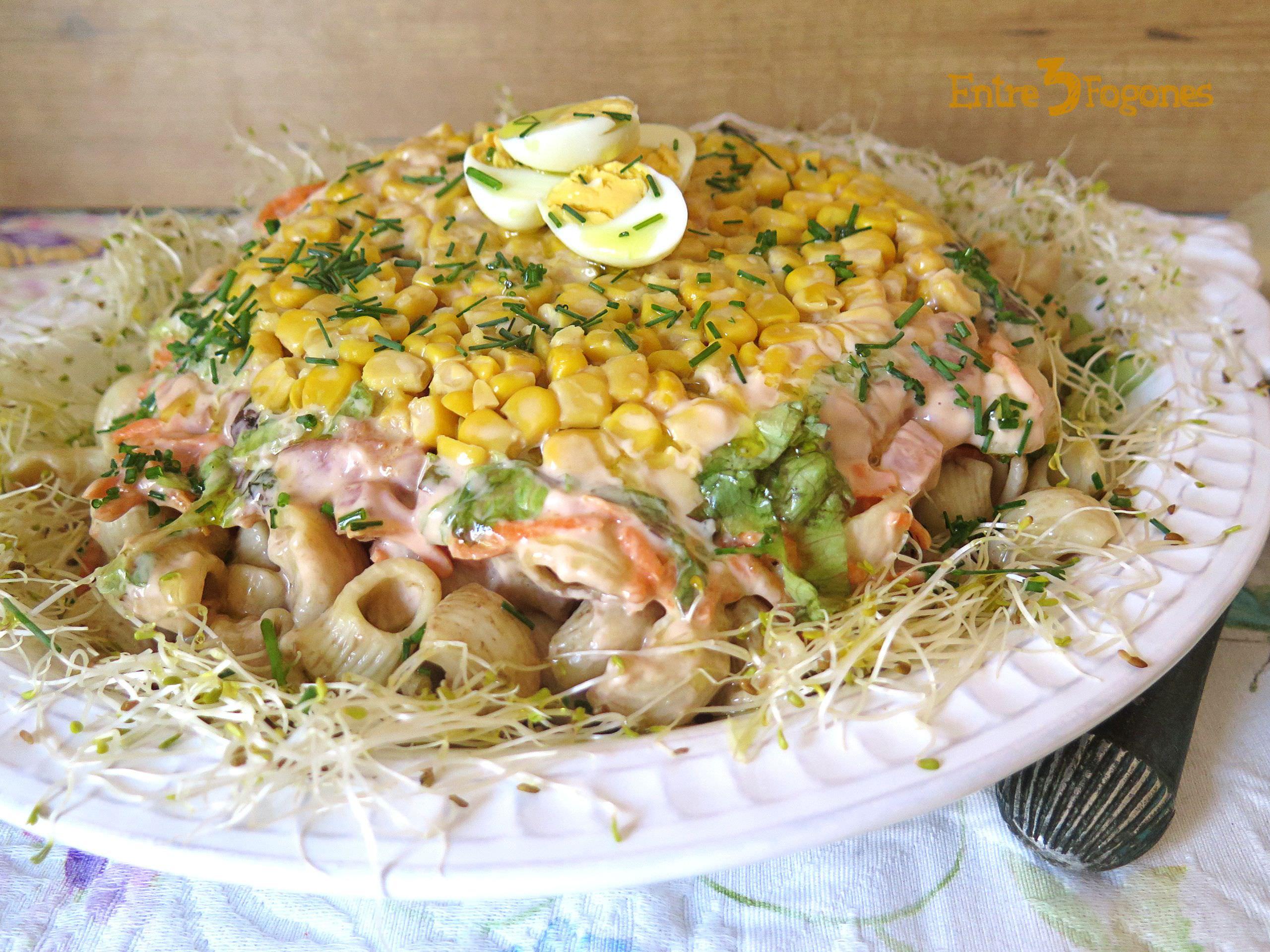 Receta Ensalada de Pasta Corta con Vegetales y Salsa Rosa