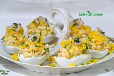 Receta Huevos Rellenos de Gambas y Surimi