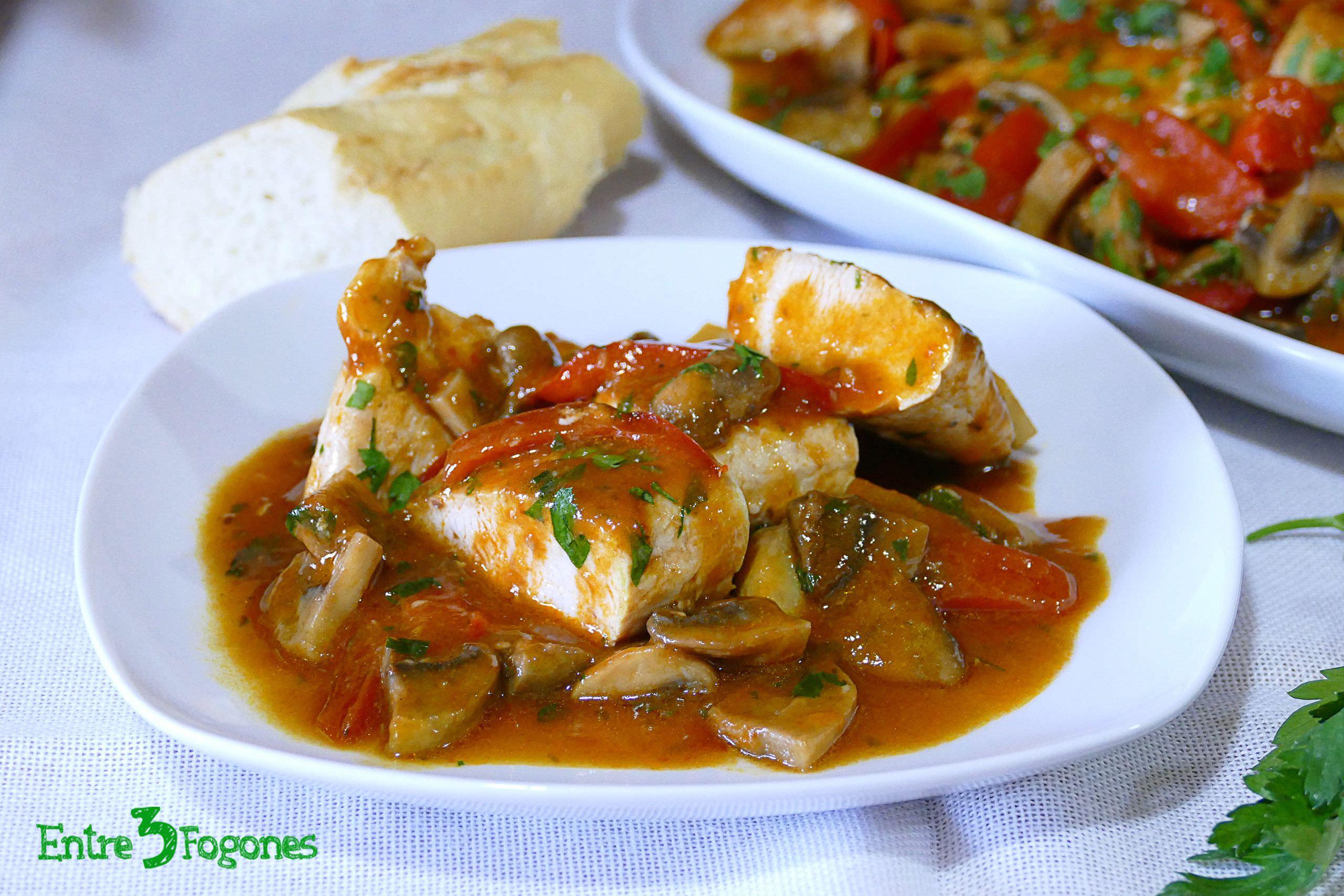 Receta Solomillo de Pavo en Salsa de Gazpacho Andaluz y Champiñones