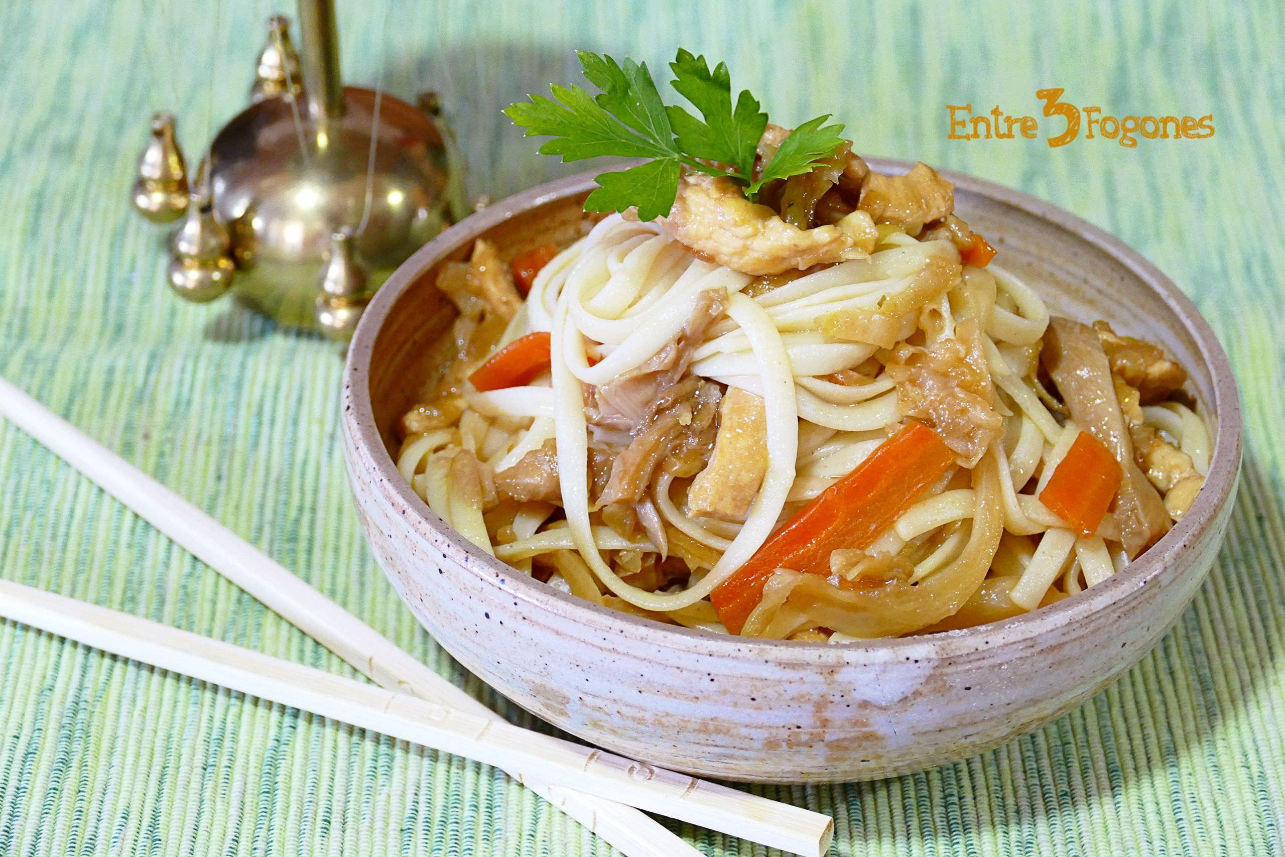 Receta Tallarines Chinos con Pollo y Verdura