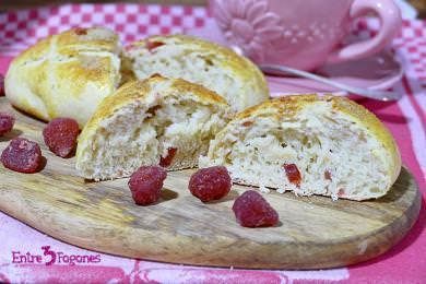 Receta Panecillos de Leche con Fresas Deshidratadas
