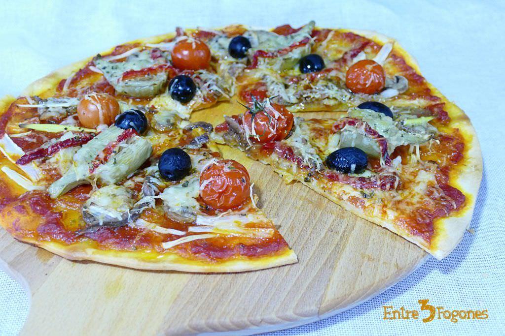 Pizza con Verduras y Anchoas a la Barbacoa