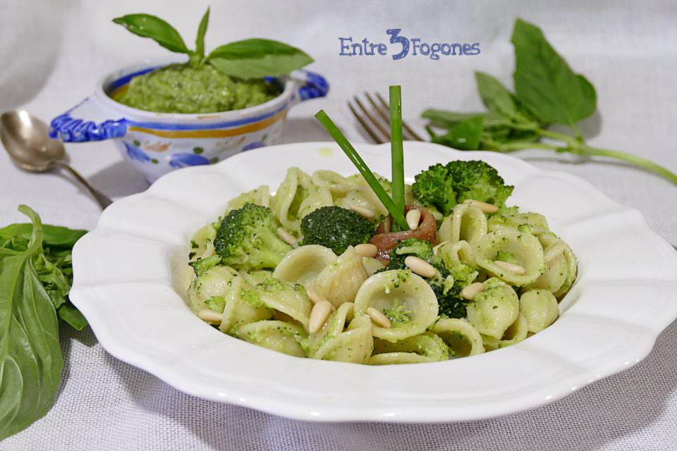 Orecchiette con Pesto de Brócoli y Anchoas