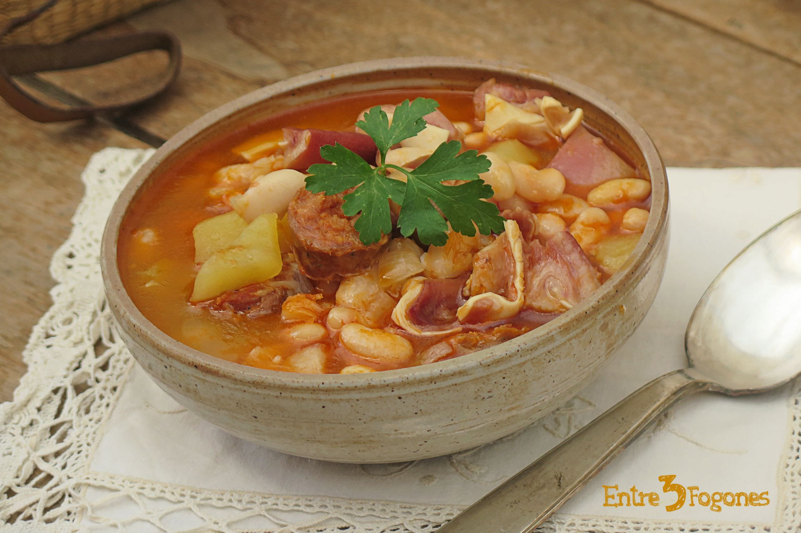 Photo of Potaje de Habichuelas con Chorizo y Oreja de Cerdo