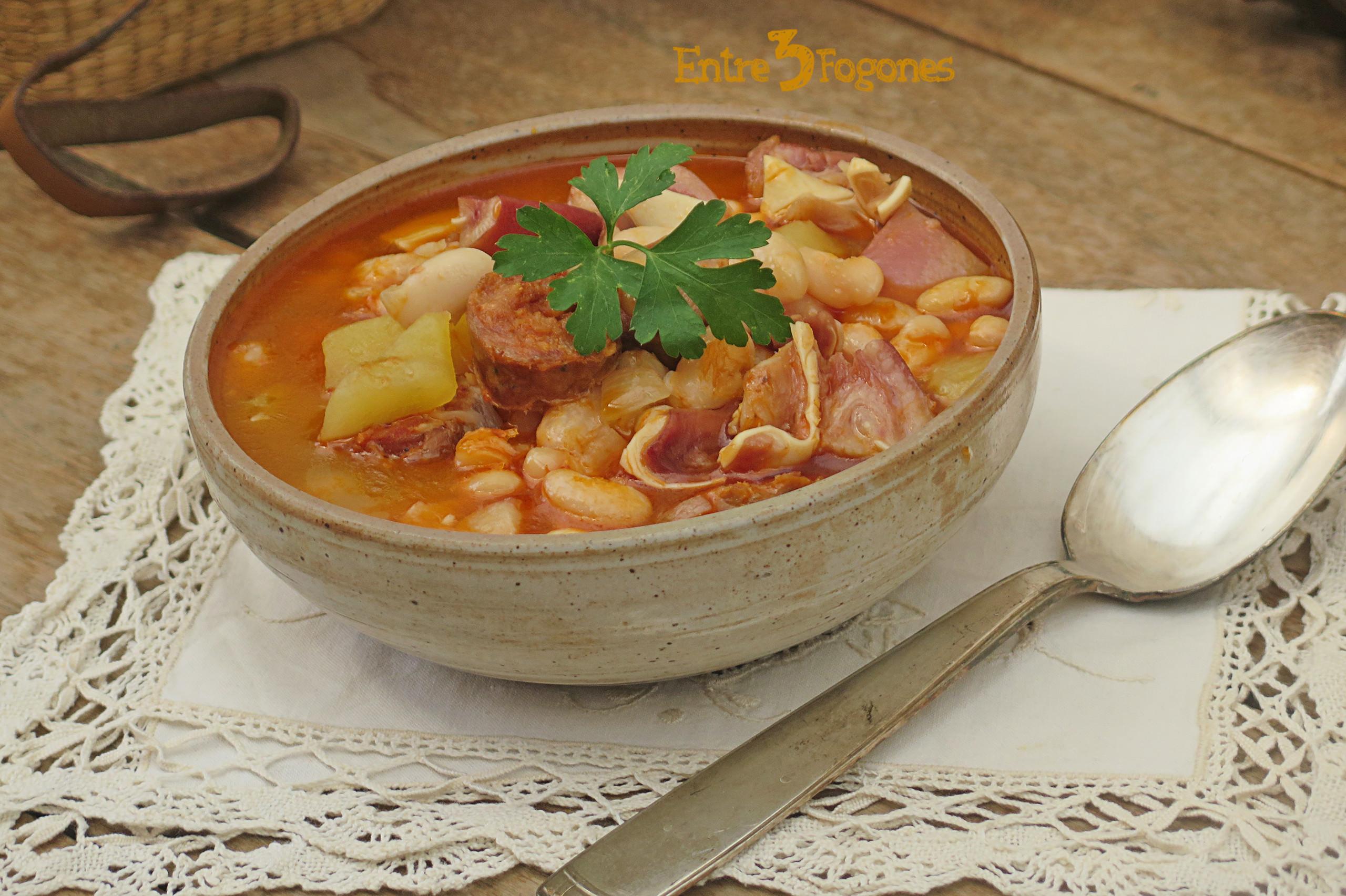 Receta Potaje de Habichuelas con Chorizo y Oreja de Cerdo