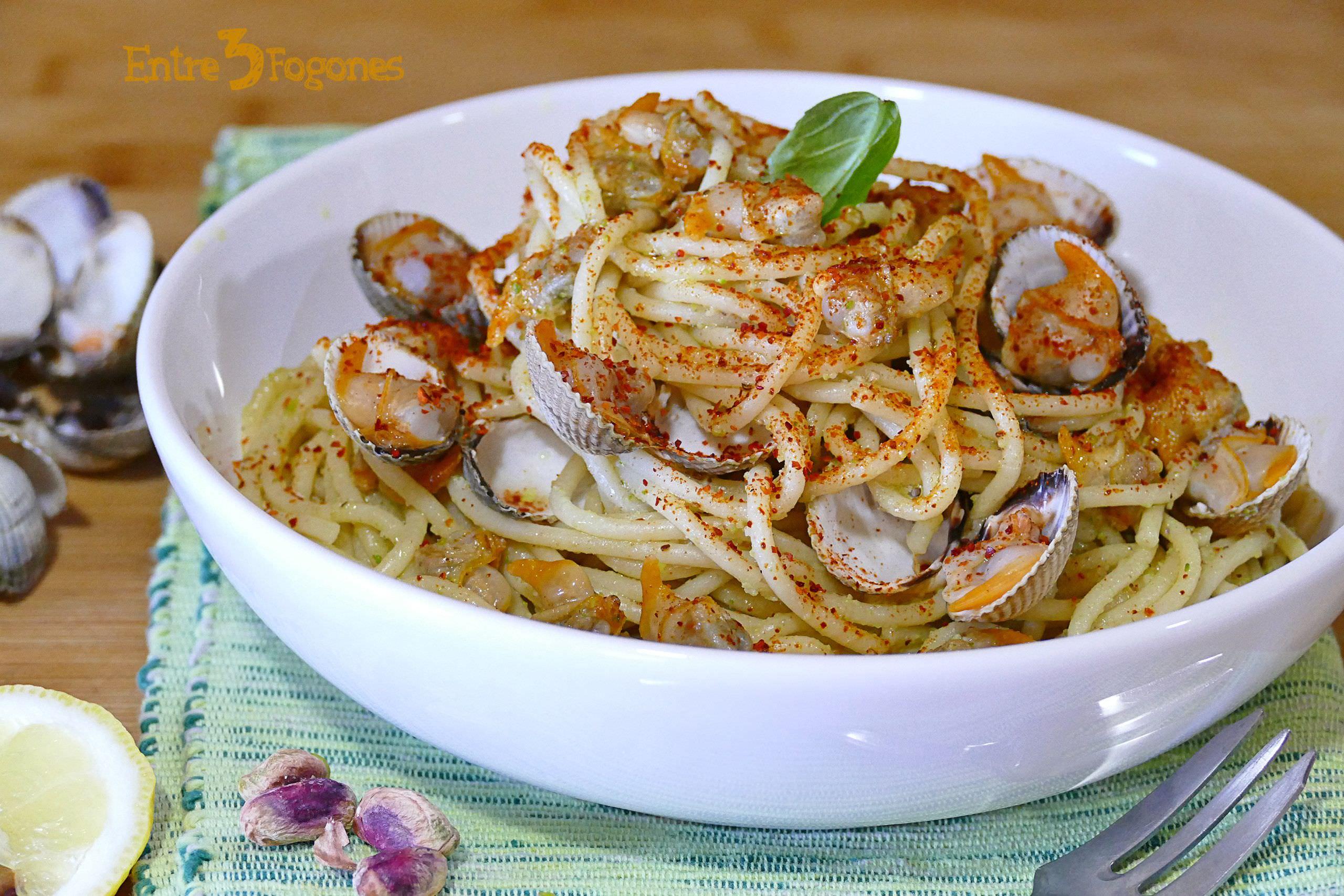 Photo of Espaguetis al Pesto con Berberechos