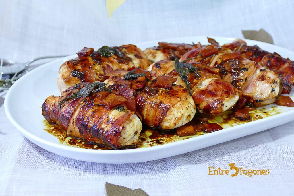 Rollitos de Pollo y Bacon en Salsa de Salvia