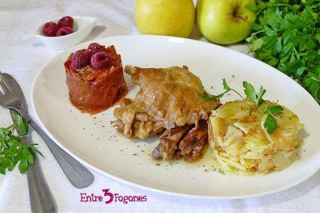 Confit de Pato con Patatas y Frambuesas al Oporto