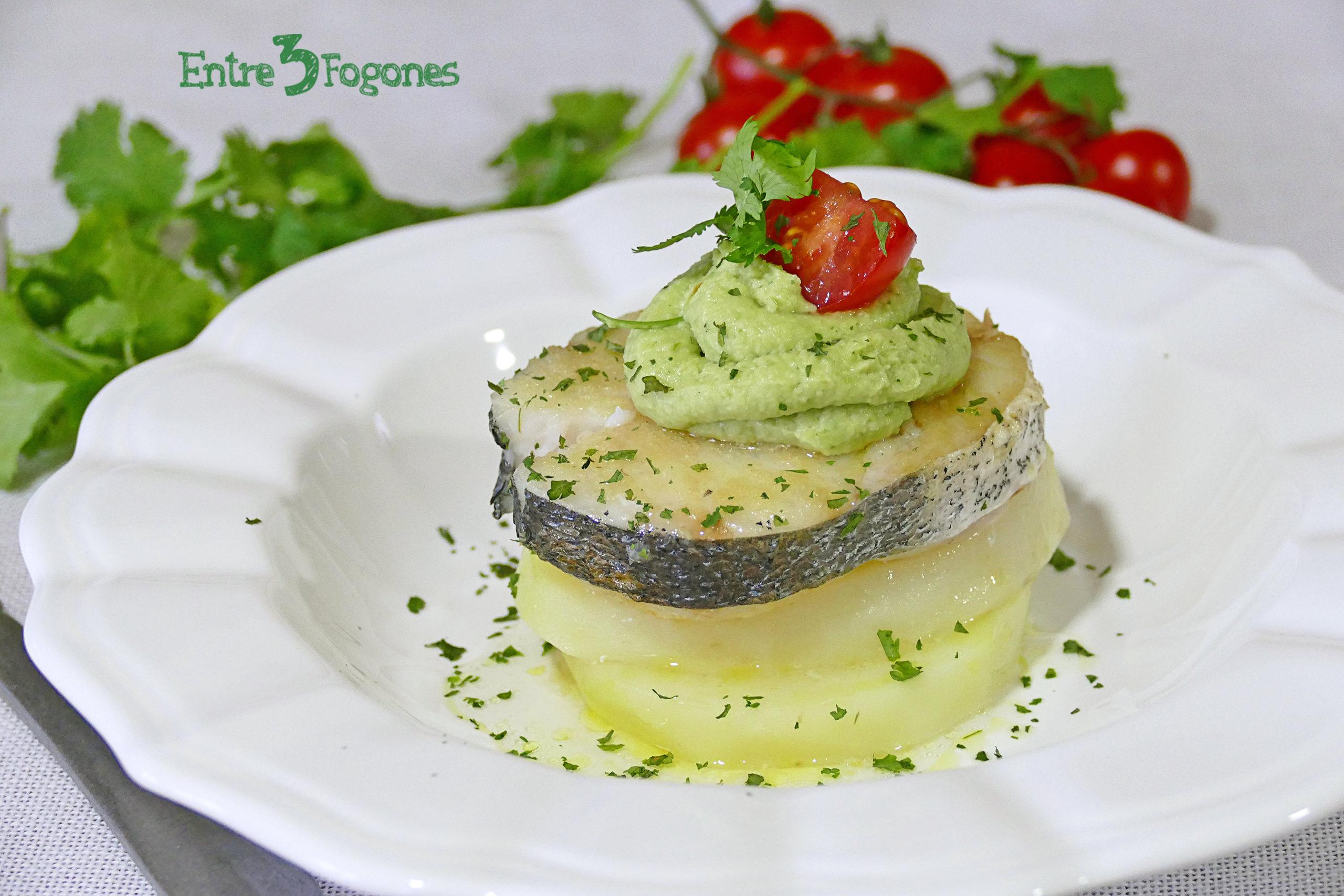 Receta Merluza con Patatas y Mayonesa de Aguacate