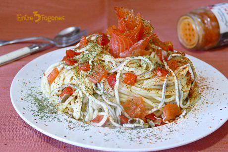 Espaguetis con Gulas y Salmón