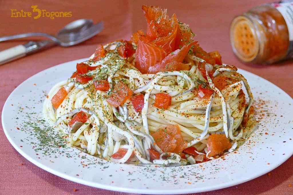Receta Espaguetis con Gulas y Salmón