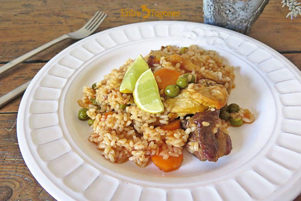 Arroz con Carne y Verduras en Caldo de Cocido