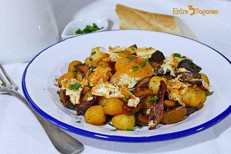 Revuelto de Níscalos con Ñoquis de Patata y Tomates Secos