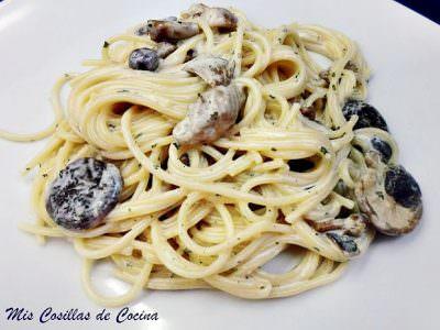 Espaguetis con Setas y Nata