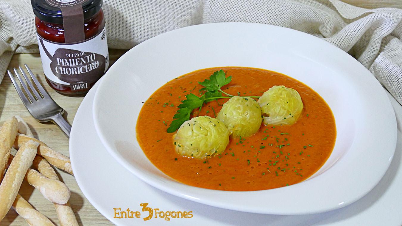 Coles de Bruselas en Salsa de Tomate y Pimiento Choricero