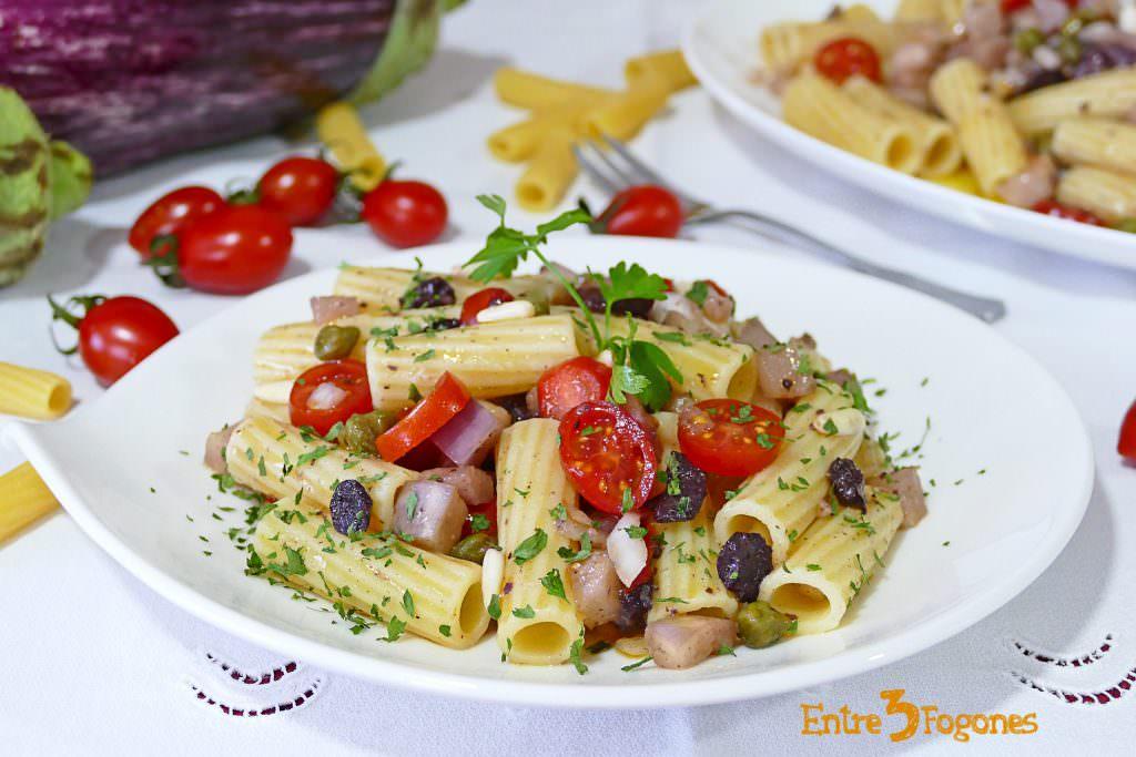Ensalada de Pasta con Berenjena y Tomate Cherry