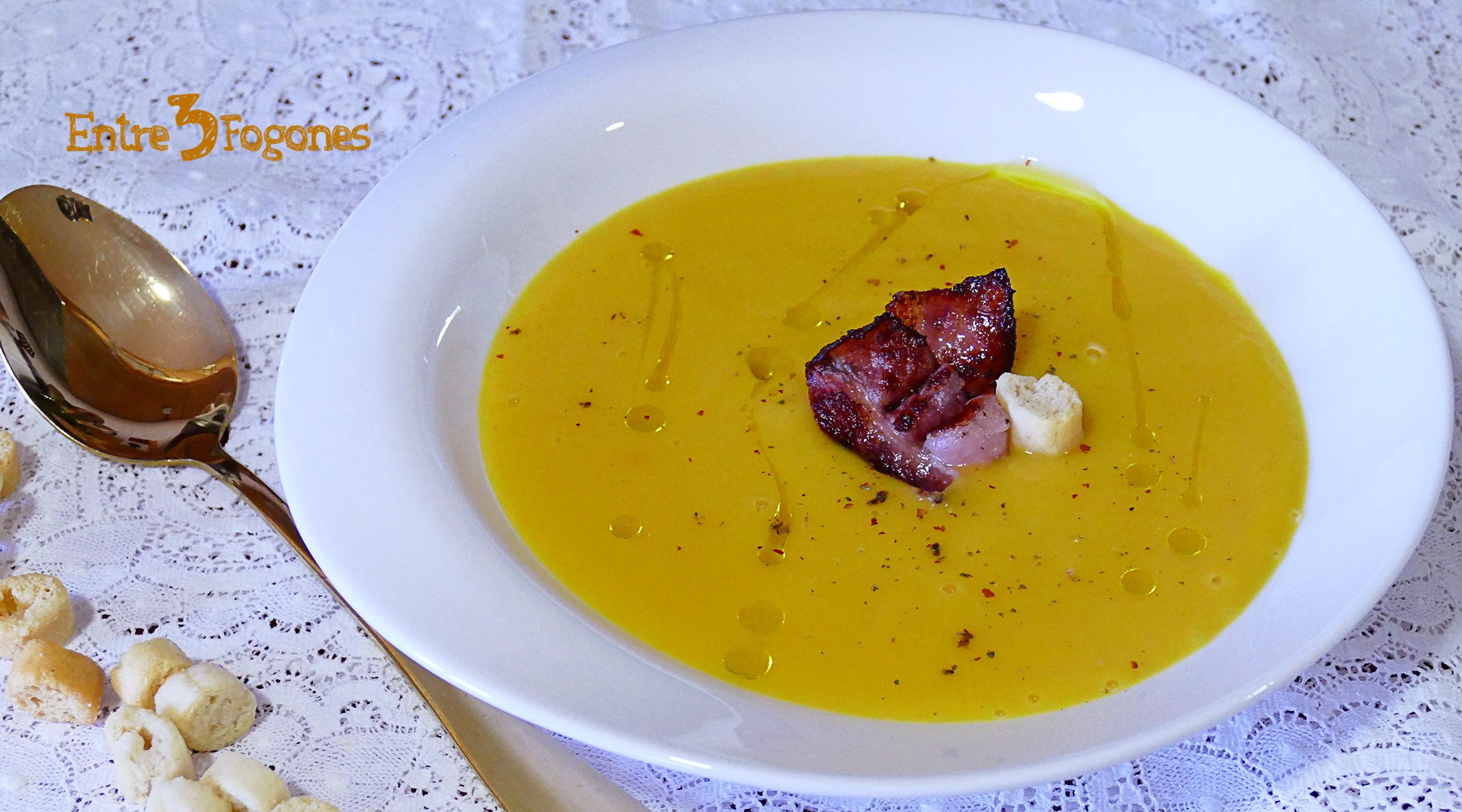 Crema de Calabaza al Curry con Crujiente de Bacon