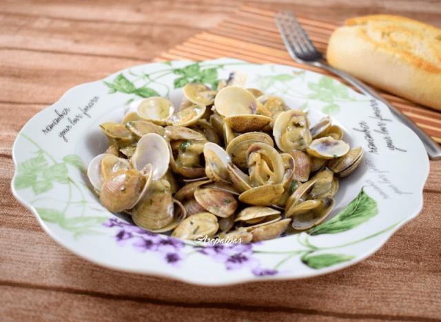 Recetas con mejillones almejas y berberechos - Almejas con salsa verde ...