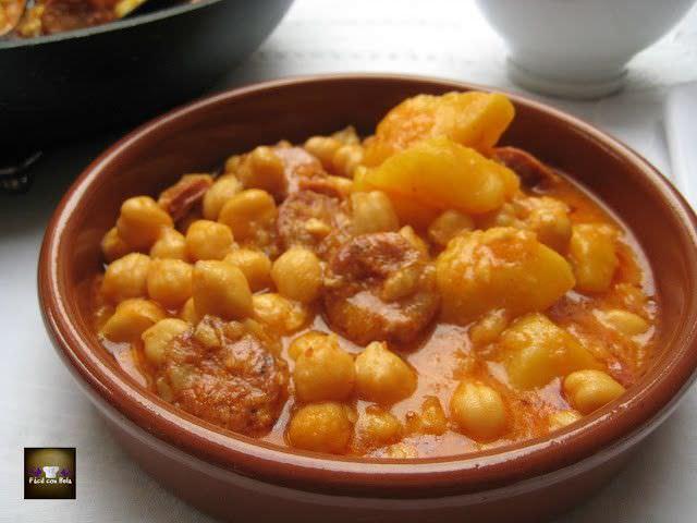 Potaje de Garbanzos con Chorizo y Patata