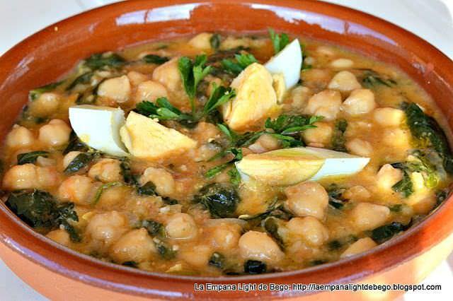 Potaje de Garbanzos y Espinacas con Picada de Almendras