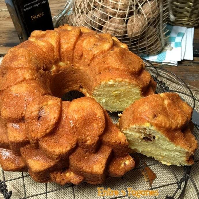 Bundt Cake de Naranja y Nueces Caramelizadas