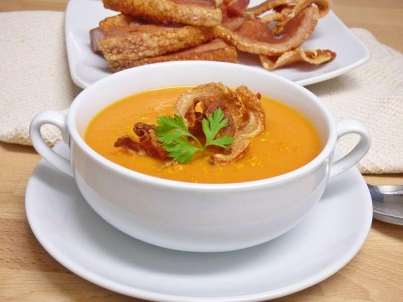 Crema de Zanahoria con Torreznos de Soria
