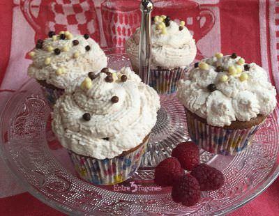 Cup Cakes de Chocolate con Crema de Frambuesas