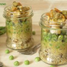 Ensalada de Quinoa con Guisantes y Berberechos Marinados