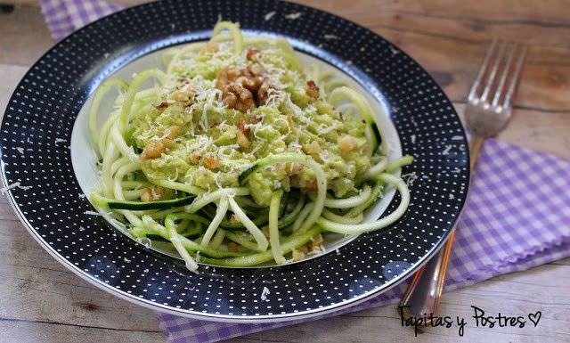 Espaguetis con Pesto de Aguacate