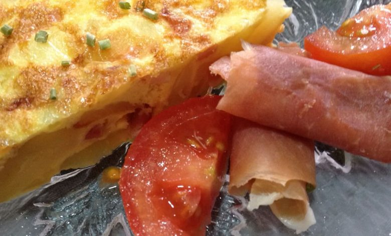 Tortilla de bacon y tortilla de manzana