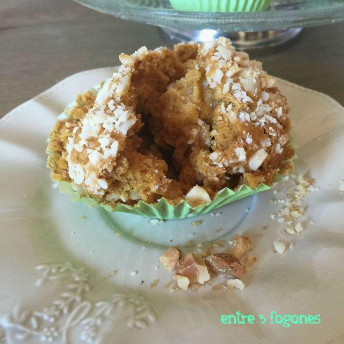Muffins de Toffee con Topping de Nueces de Macadamia
