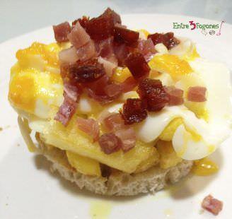 Montadito de Patatas Alargadas con Huevo Roto y Jamón