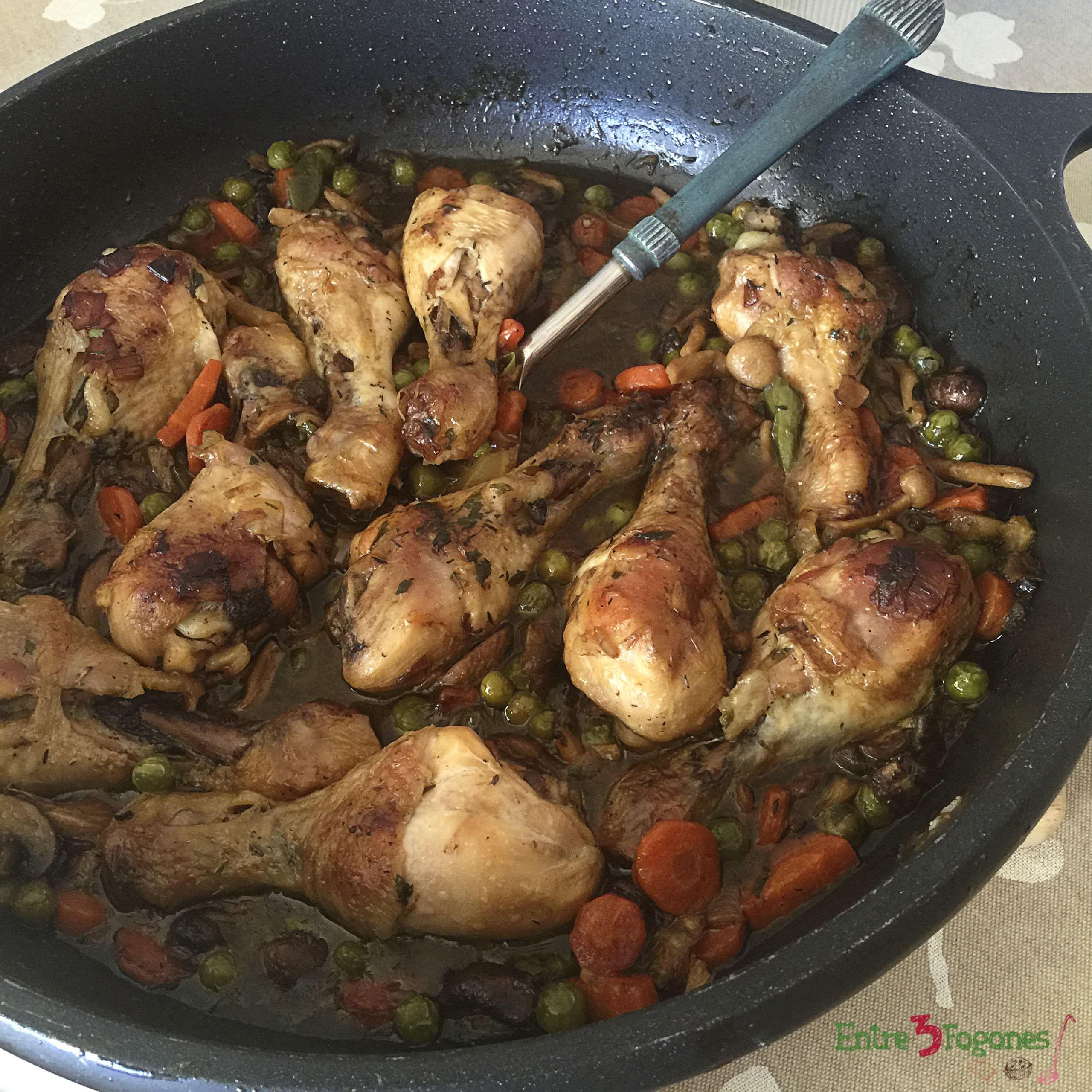Jamoncitos de Pollo con Verduras a la Cerveza Negra