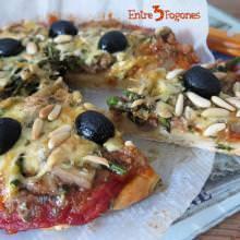 Pizza Boloñesa con Setas y Espárragos Verdes