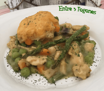 Cazuela de Pollo y Verdura con Dumpling
