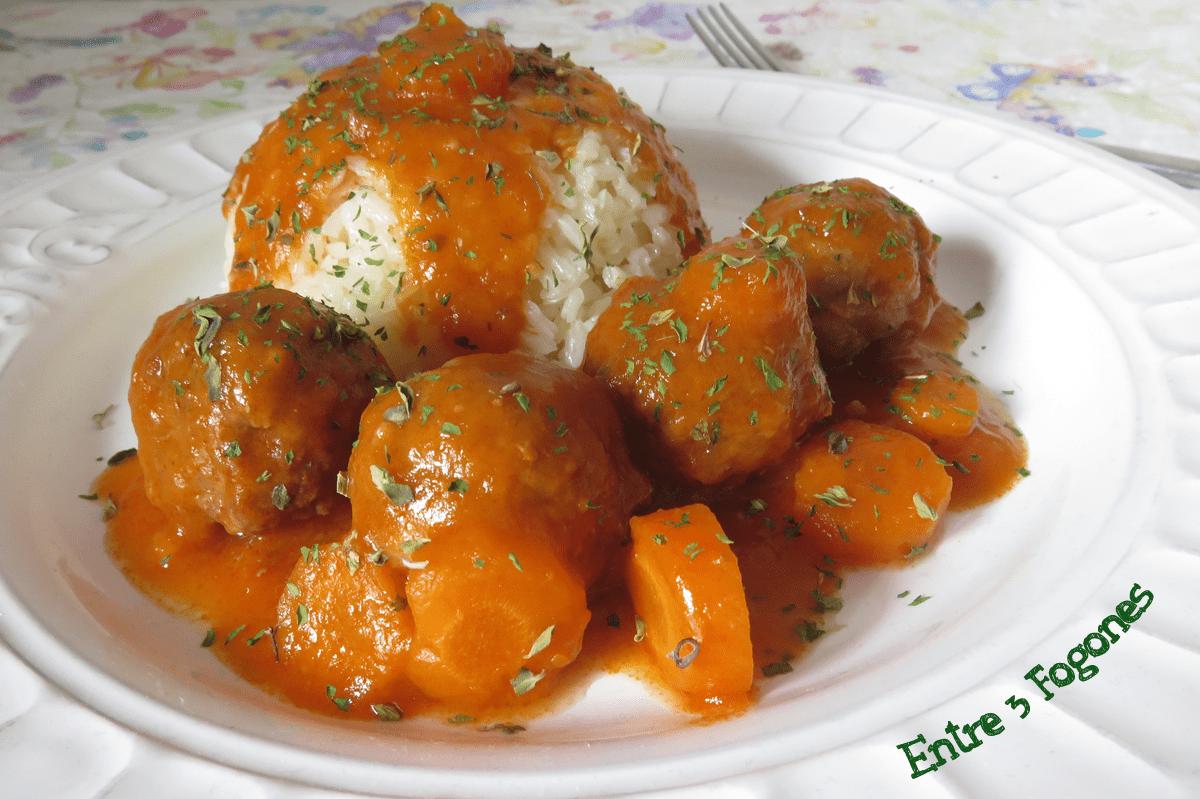 Alb ndigas de cordero en salsa de verduras - Albondigas de verdura ...