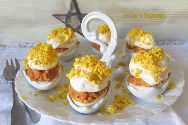 Huevos al Serrín, Rellenos de Atún