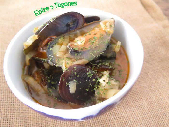 Mejillones en Salsa de Pimentón y Échalote