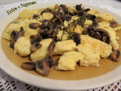 Tortilla de Puré de Patatas con Champiñones