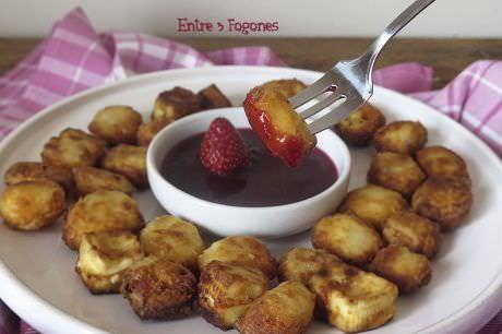Queso Frito con Mermelada de Fresas