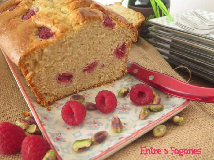 Receta Cake de Pistachos y Frambuesas