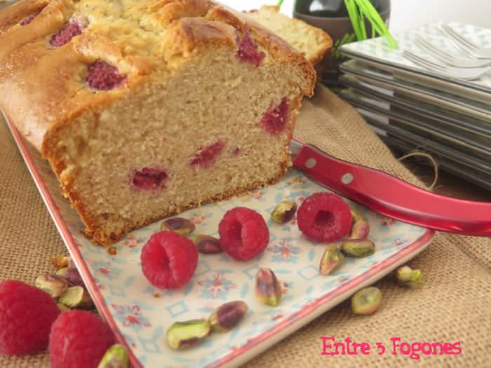 Receta Cake de Pistachos con Frambuesas